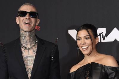 Kourtney Kardashian, Blink-182′s Travis Barker engaged